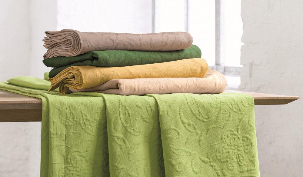 Op deze afbeelding ziet u de tafelkleden collectie Cordoba
